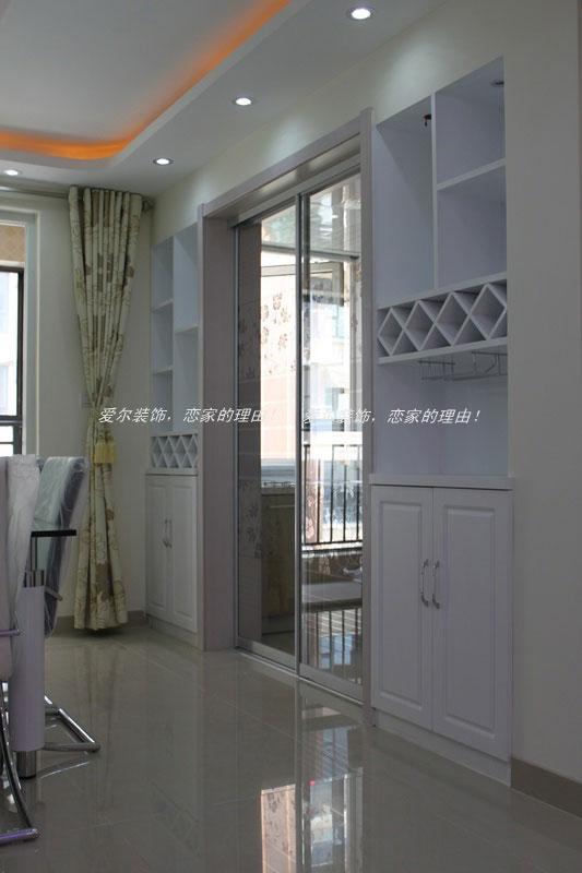 客厅双层圆弧形石膏板吊顶