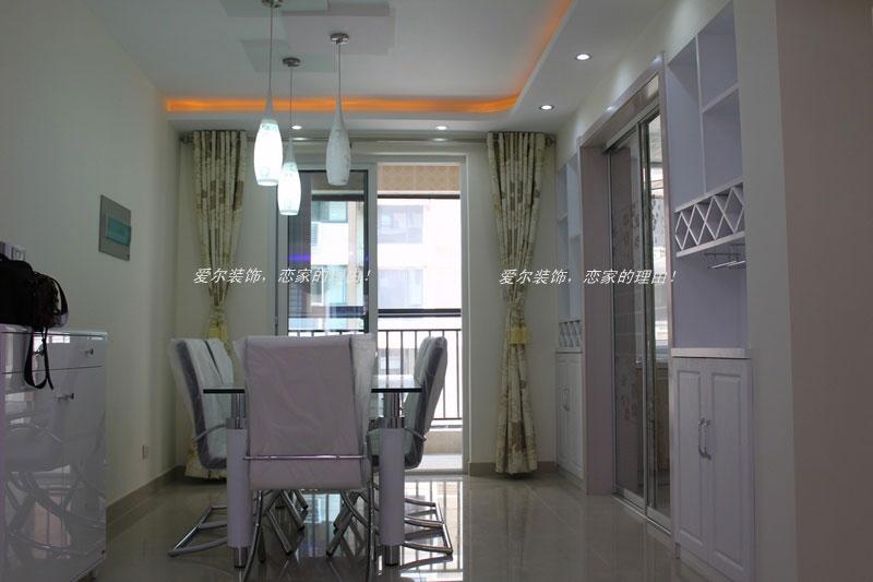 客廳雙層圓弧形石膏板吊頂 餐廳吊頂,燈帶及有色涂料